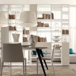 La demande du client: «Comment séparer le salon dans la salle à manger» dans un espace ouvert?»L'idée de l'architecte decorateur intérieur paris: une bibliothèque «double face» à jour, séparant les deux fonctions. Voici le résultat: Design linéaire, matières sophistiquée pour une composition ouverte qui traverse et partage l'espace.